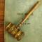 Wyłączenie spod obowiązku stosowania rygorów ustawy prawo zamówień publicznych o charakterze częściowym, na przykładzie usług prawniczych.